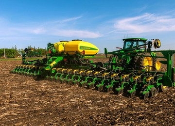 DB44 24Row22 Planter