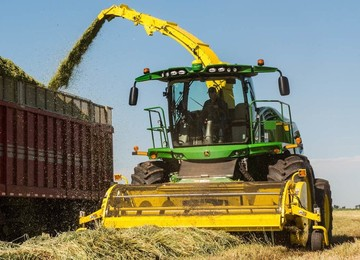 Self-Propelled Forage Harvester Heads and Pickups