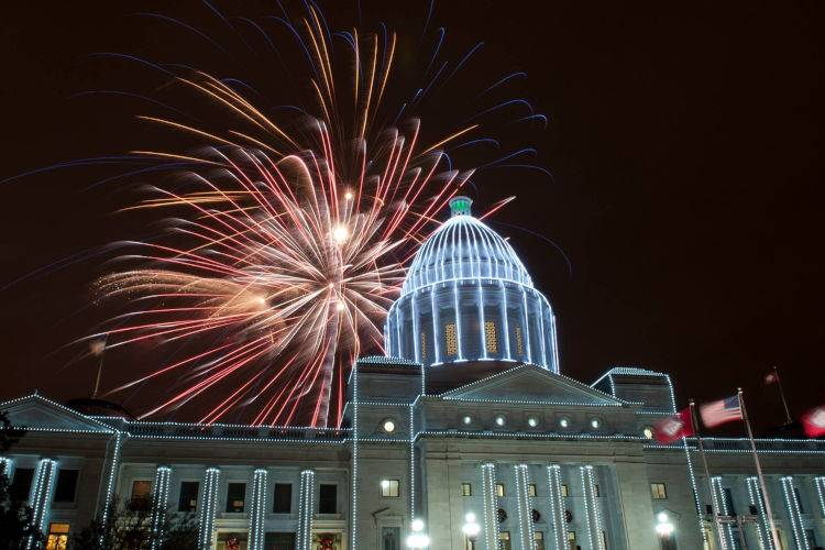 Arkansas State Capitol-2014-holiday lights and fireworks