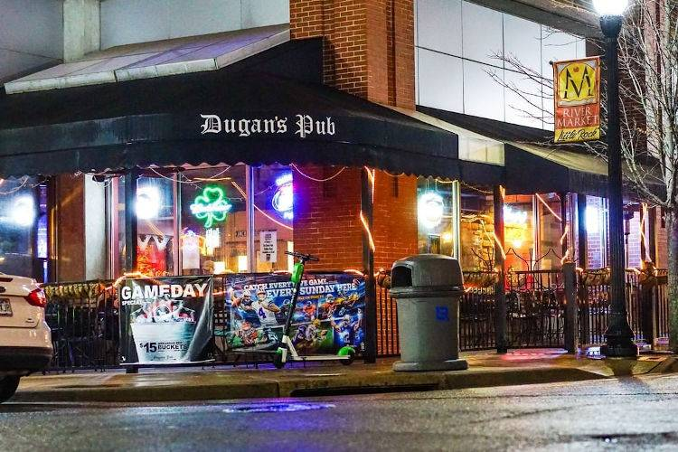 Dugans Pub-2020-outdoor seating