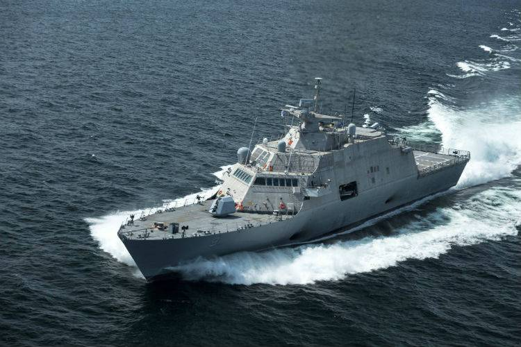 USS Little Rock LCS 9-underway
