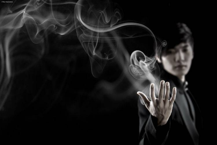 Celebrity Attractions-the illusionists-yu smoke